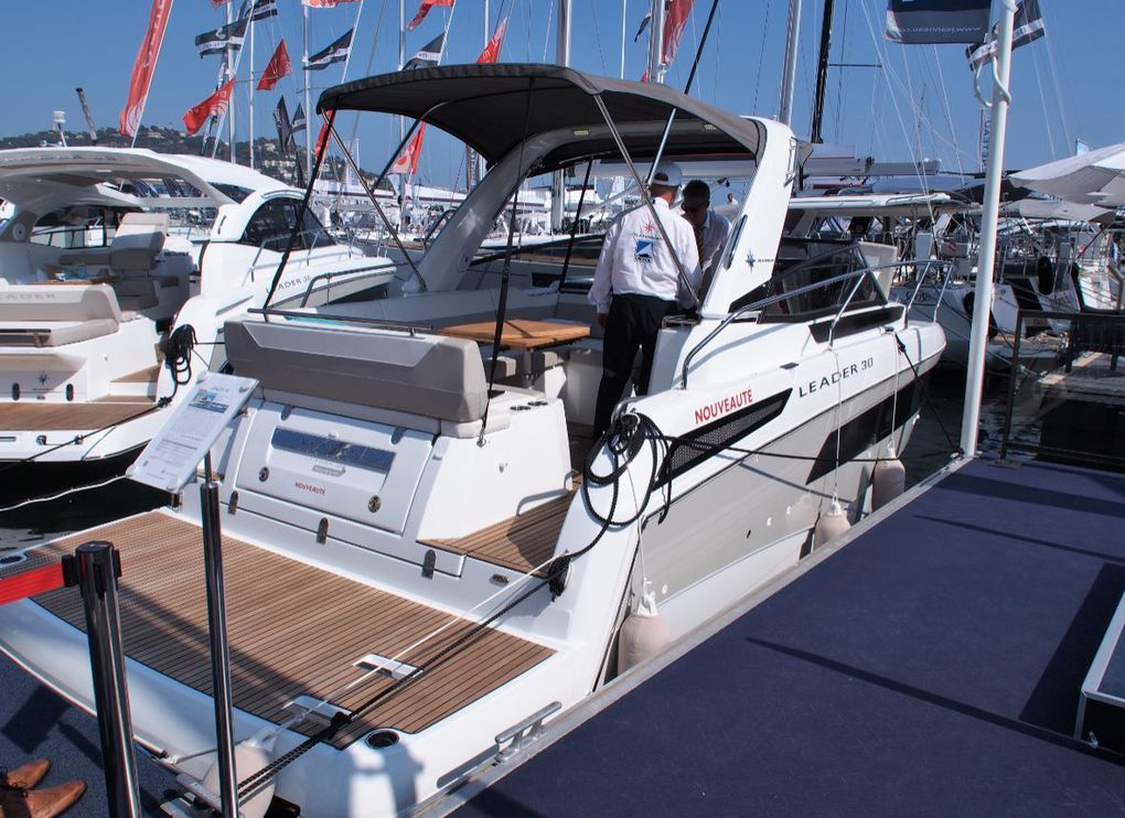 First shots of the new Jeanneau Leader 30