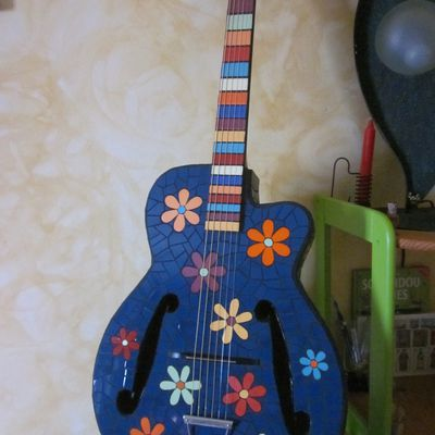 guitare peace and love