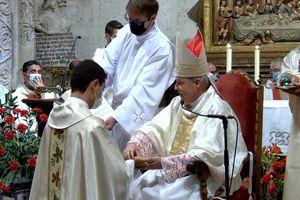 Ordenación sacerdotal de VÍCTOR LÓPEZ PELARDA