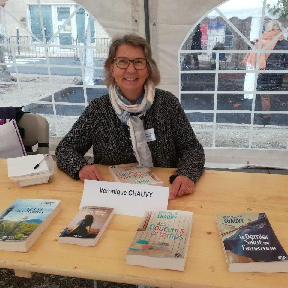 Portrait du jour : Véronique Chauvy « des parcours de femmes au cœur de ses histoires romanesques »