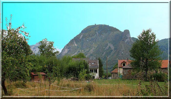 Diaporama château de CALAMES à Bédeilhac et Aynat