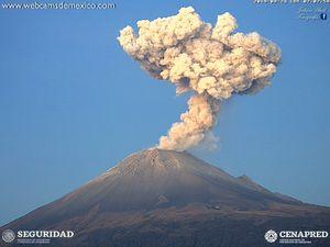 Popocatépetl - explosions du 24.09.2019, à 7h25, 7h07 et 8h28 - webcamsdeMexico/Cenapred - un clic pour agrandir