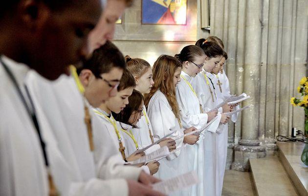 Renouvellement de l'engagement des servants d'autel