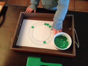 Premières approches des formes géométriques en 4 points (2 ans)