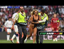 Liverpool contre Tottenham 2-0 ⚽ Une fille sexy envahit le terrain lors de la finale de la Ligue des champions Madrid 2019 H