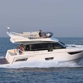 NEW, the Jeanneau Merry Fisher 38, first inboard model of the range ! - Yachting Art Magazine