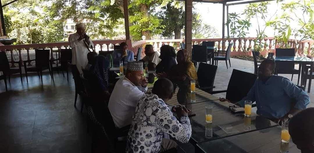 Quelques photos des interventions de l'ONG USHABABI WA MESO INTERNATIONAL (Jeunesse & Avenir) sur le terrain dans plusieurs pays.