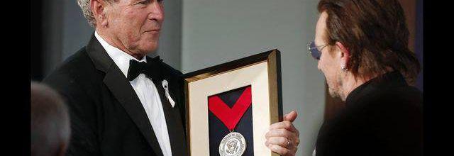 Bono reçoit la médaille de George W. Bush -Texas-20-04-2018