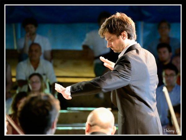 guillaume bourgogne, chef d'orchestre français, directeur artistique et musical,