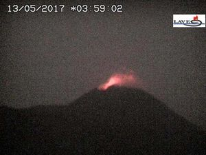 Etna - strombolian activity brief on 12.05.217 / 13h09 & 13.05.2017 / 03h59 - doc. Webcams INGV Catania therm and LAVE - a click to enlarge