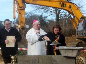 Le 16/01/2014 : Pose de la première pierre