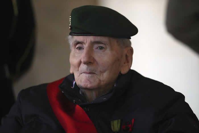 Hubert Germain, aux Invalides, le 20 novembre 2020, lors de l'hommage national rendu à Daniel Cordier. | MICHEL EULER / AFP