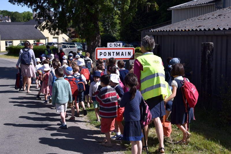 Pélerinage de l'école à Pontmain