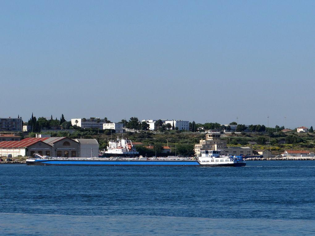 BONAVA , a quai et appareillant de Lavera le 24 juin 2015 . Passage par le canal de port de Bouc à Fos puis navigation sur le Rhone