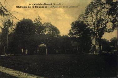 Cartes postale Château la Saussaie Vert-le-Grand !