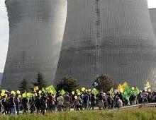 "Grande parade ""bashing-nucléaire""."