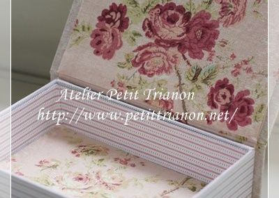 Petit Trianon *** cartonnage & interior ***