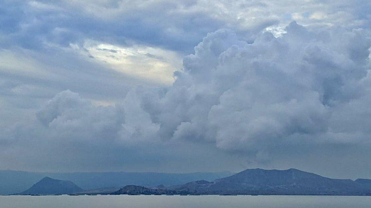 Taal - les émissions de dioxyde de soufre en hausse engendre du VOG - photo archives reportrdotworld