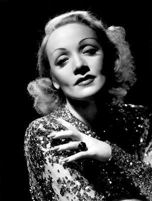 La Scandaleuse de Berlin de Billy Wilder avec Marlene Dietrich - Jean Arthur - John Lund - Millard Mitchell - Charles Meredith - William Murphy
