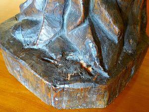 Ancienne statue de moine en en chêne sculpté,
