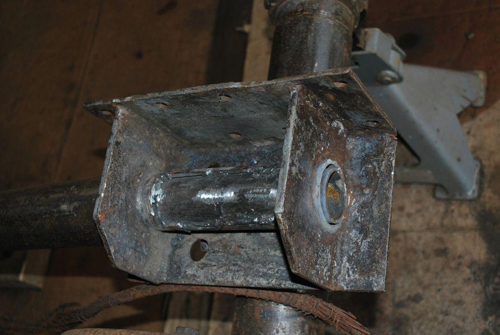 crédit photos - alain Chaussade -les supports brides du pont et les supports des longerons de chassis