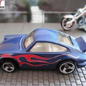 PORSCHE 911 CARRERA HOT WHEELS 1/64 - car-collector.net