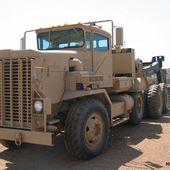 Oshkosh M911 Heavy Equipment Transporter | Military-Today.com