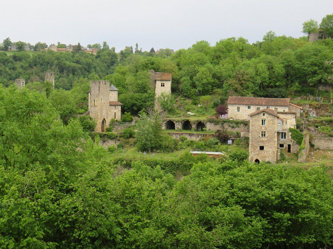 """Site médiéval de l'antique """"Petrucia"""", en contrebas du village"""