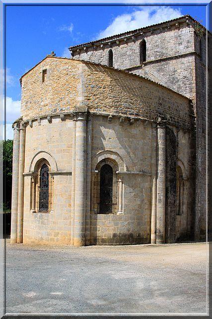 Diaporama église fortifiée de Xaintray