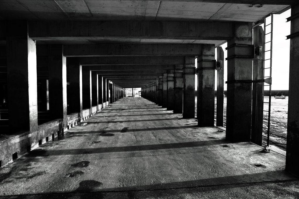 Balade autour du port de granville. fin de journée hivernale 2001.