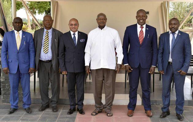 CPC Alain Guillaume Bunyoni reçue ce matin par le président ougandais