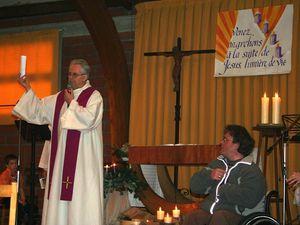 messe du 2e dimanche de l'Avent ; remise de la lettre pastorale de l'Evêque à Jean-Luc Donnadieu (nouveau membre de l'EAP)