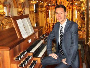 lukas hasler, un jeune et brillant organiste autrichien qui a travaillé notamment avec jean guillou et tom koopman