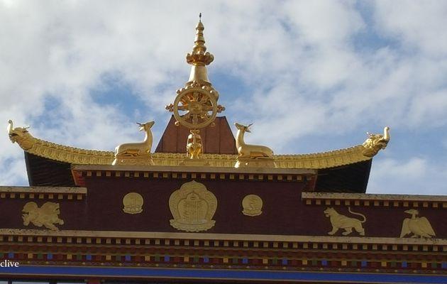 Le monastère Bouddhiste Dhagpo Kundreul Ling à Le Bost, Biollet (63)