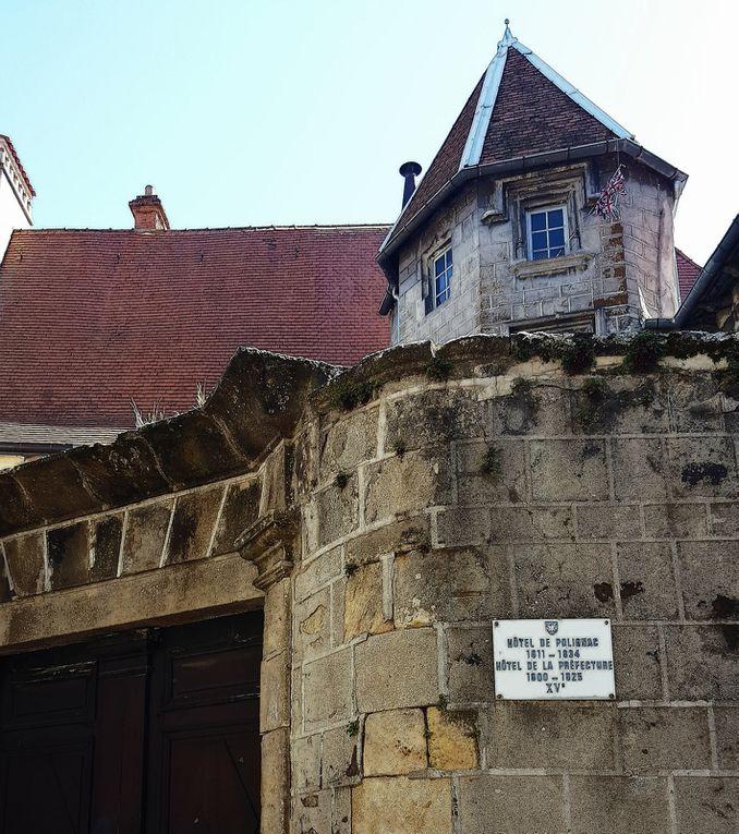 Le Puy-en-Velay : flânerie rue Cardinal de Polignac…