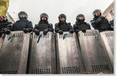 France, on resserre l'étau : Le gouvernement interdira de manifester si les biens et les personnes sont menacés