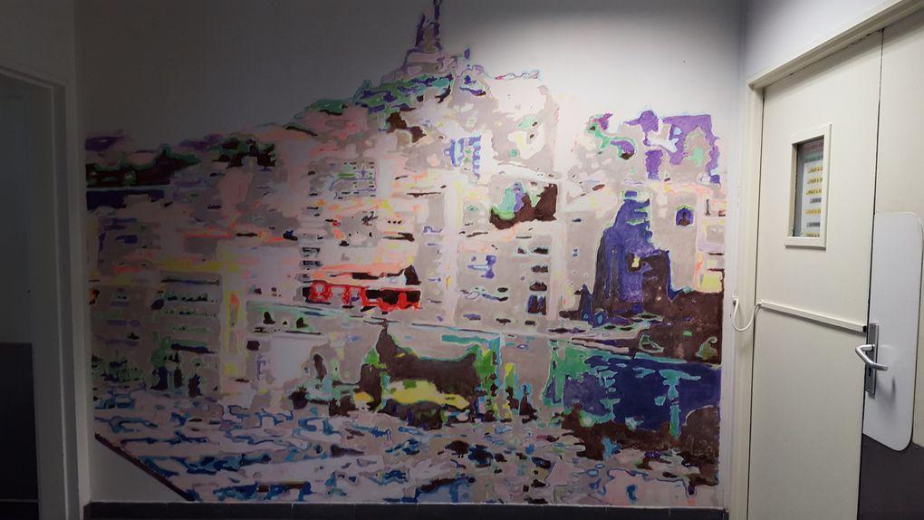 """Fresque murale à la """"PIC"""" de Vitrolles  - Acheminement du courrier a partir de cette plate-forme"""