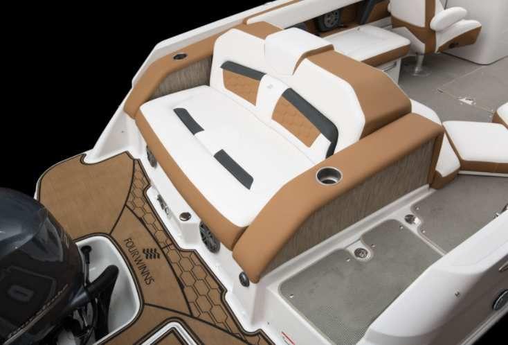 Four Winns HD 240 RS OB, le bow-rider sportif et performant!