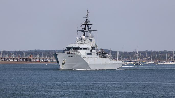 Tension France/G-B : La France menace l'île de Jersey, la Navy envoyée sur place