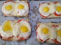 ciabattas aux quatre fromages, tomate et ses œufs de caille