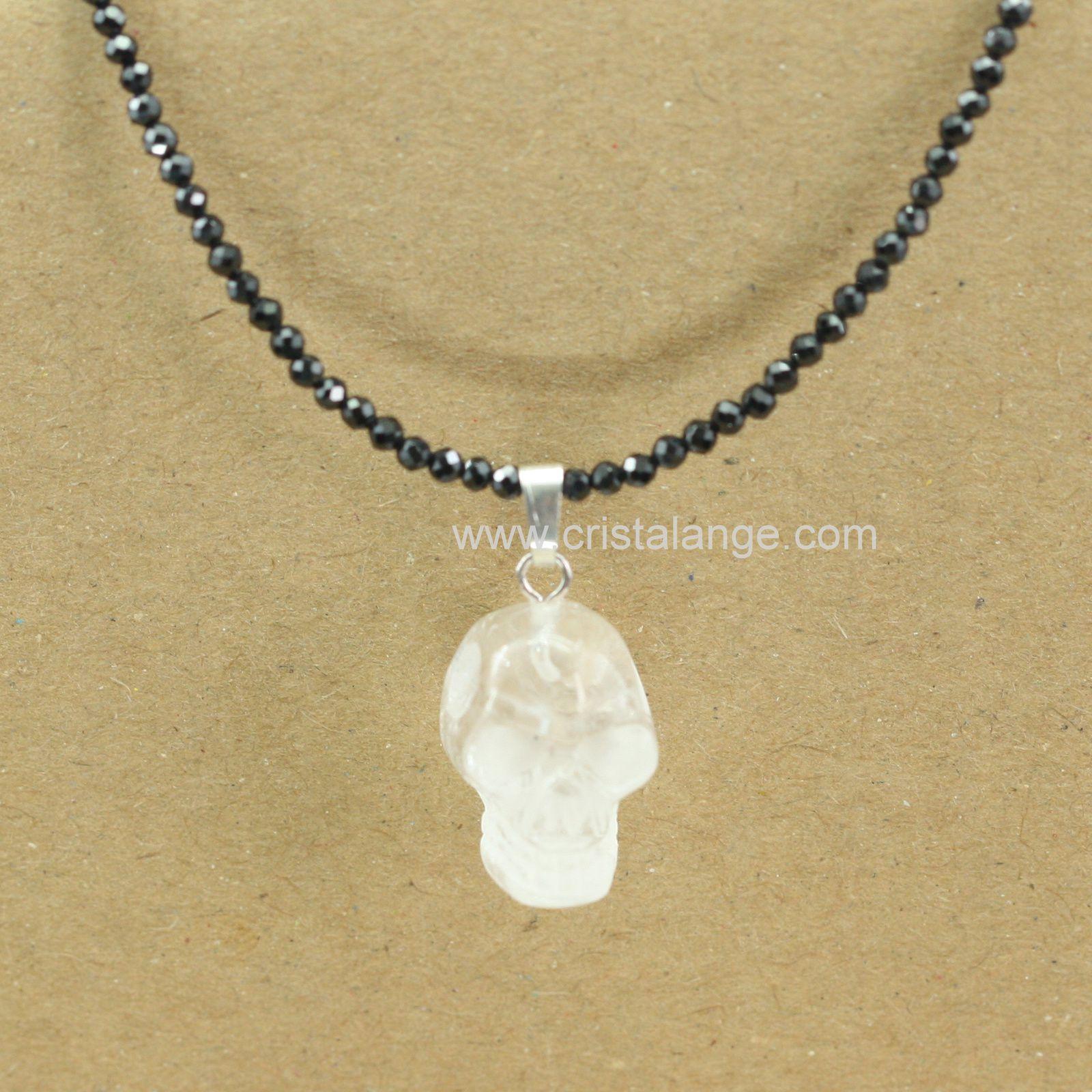 Toute la légende des crânes de cristal dans ce collier en spinelle noire pour allier protection et énergie