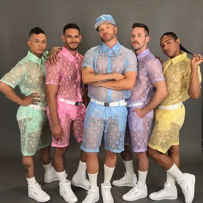 La tendance mode de l'été pour les hommes? Les vêtements en dentelle!