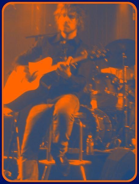 Premier concert de JULIEN DORE à l'ASTROLABE (scène de musiques actuelles d'ORLEANS)le 1er juillet 2008 lors de la promotion du CD ERSATZ...
