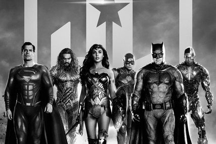 Zack Snyder's Justice League (HBO Max/Max Original) de Zack Snyder avec Ben Affleck, Henry Cavill, Gal Gadot, Jason Momoa, Ezra Miller, Ray Fisher, Amy Adams, Amber Heard, Ciáran Hinds, Jeremy Irons, Diane Lane, Joe Morton, Connie Nielsen, Ray Porter, J.K. Simmons, Robin Wright, Jared Leto, Joe Manganiello, Willem Dafoe, Jesse Eisenberg et Harry Lennix.