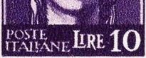 """Fig.10: émission de ROME (août 1945) –La trame est grossière, à l'image du cou et de la mâchoire, qui sont invisibles à droite. L'inscription """"POSTE ITALIANE"""" est hachée et imprécise; et la lettre """"E"""" de 'ITALIANE"""" est presque attachée à la lettre """"L"""" de """"Lire"""".  –Le mot """"LIRE"""" est presque bavoché, et il est   surtout proche de """"POSTE ITALIANE"""". –Le """"1"""" du chiffre """"10"""" est mince, et le """"0"""" est large."""