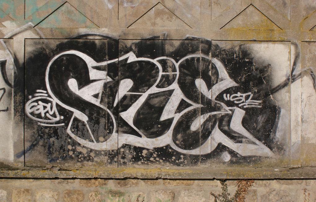 Album - Graffitis-Dept-77-tom-002