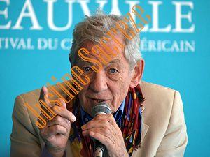 Ces photos n'ont pas de prix, merci Sir McKellen pour votre générosité si expressive !