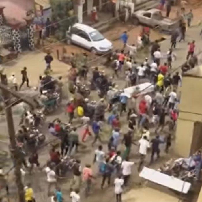 Imágenes violentas manifestaciones en Bamenda, noroeste de Camerún.- El Muni.