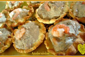 Tartelettes tapenade, crevettes, fromage blanc