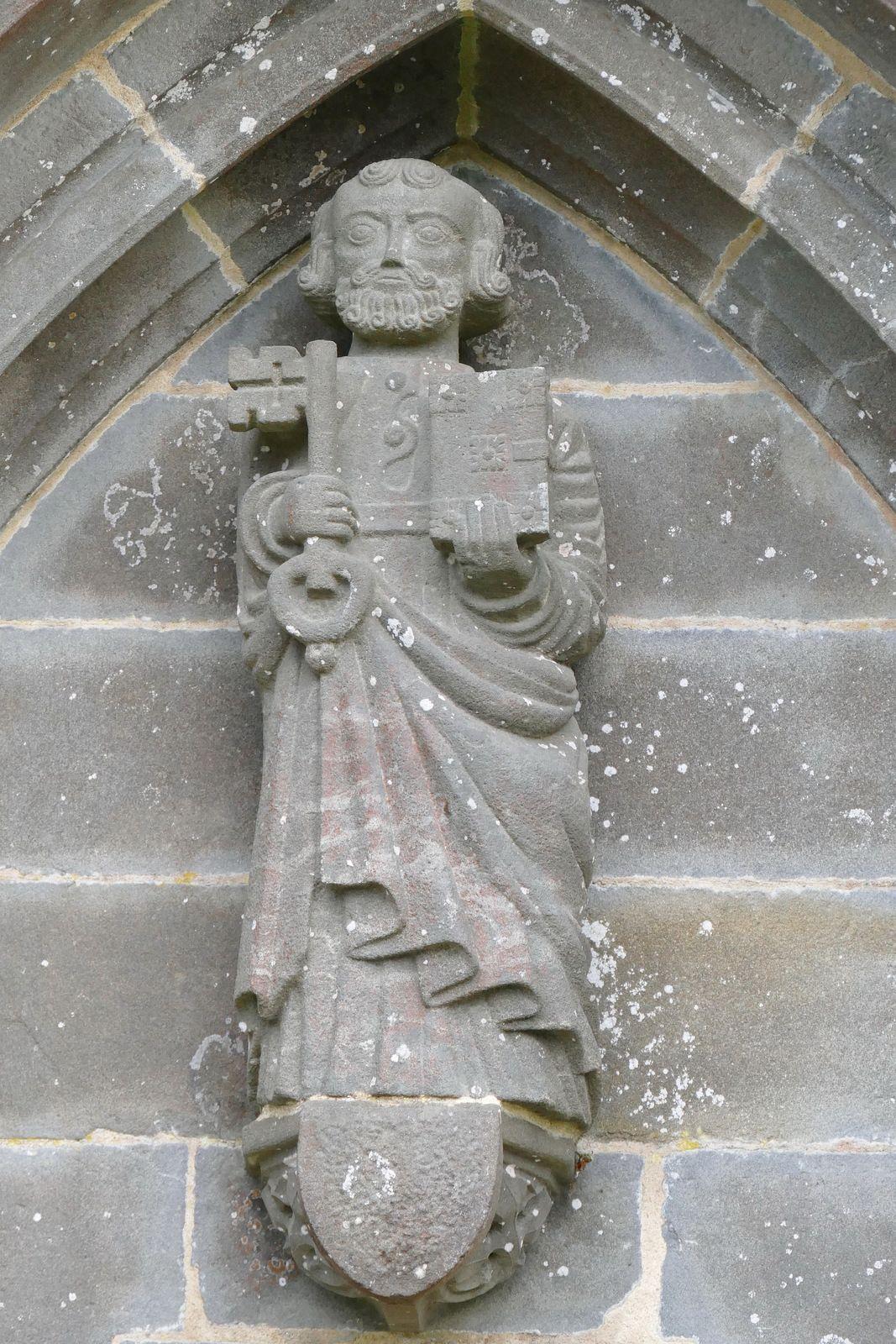 Saint Pierre (kersanton), porche nord de l'église de Pencran. Photographie lavieb-aile.